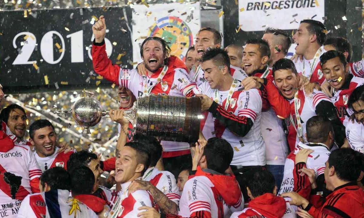 Fernando Cavenaghi y Marcelo Barovero levantaron la tercera Copa Libertadores en la historia de River.