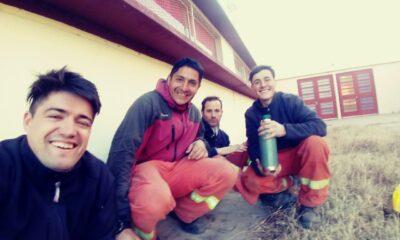 Julián Messi es parte de las dotaciones de bomberos que colabora para apagar incendios en Punilla.