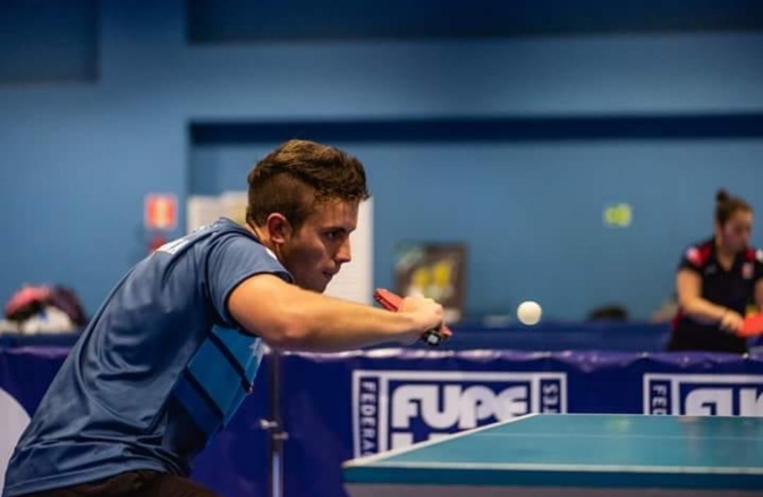 Thomas Giacometti es tenismesista y estudiante de la carrera de Educación Física de la UNRC,