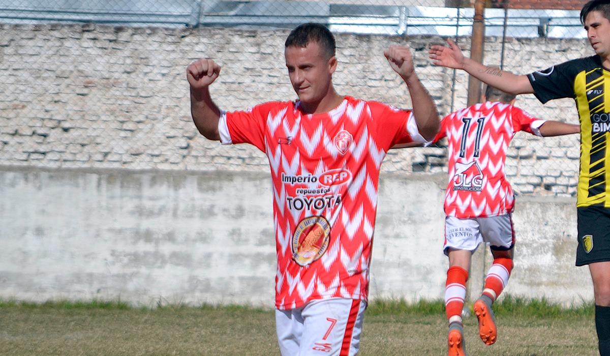 Moliva, ferretero y futbolista de Liga Regional celebra cada 3 de septiembre el Día del Ferretero.