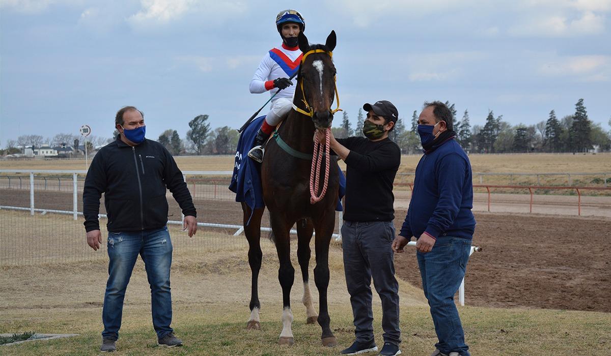 El clásico del Jockey fue para Karakorum.