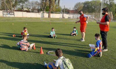 Las escuelitas de fútbol también comienzan a reactivar entrenamientos.