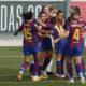 Las jugadoras del conjunto catalán festejan uno de los cuatro goles en el clásico.