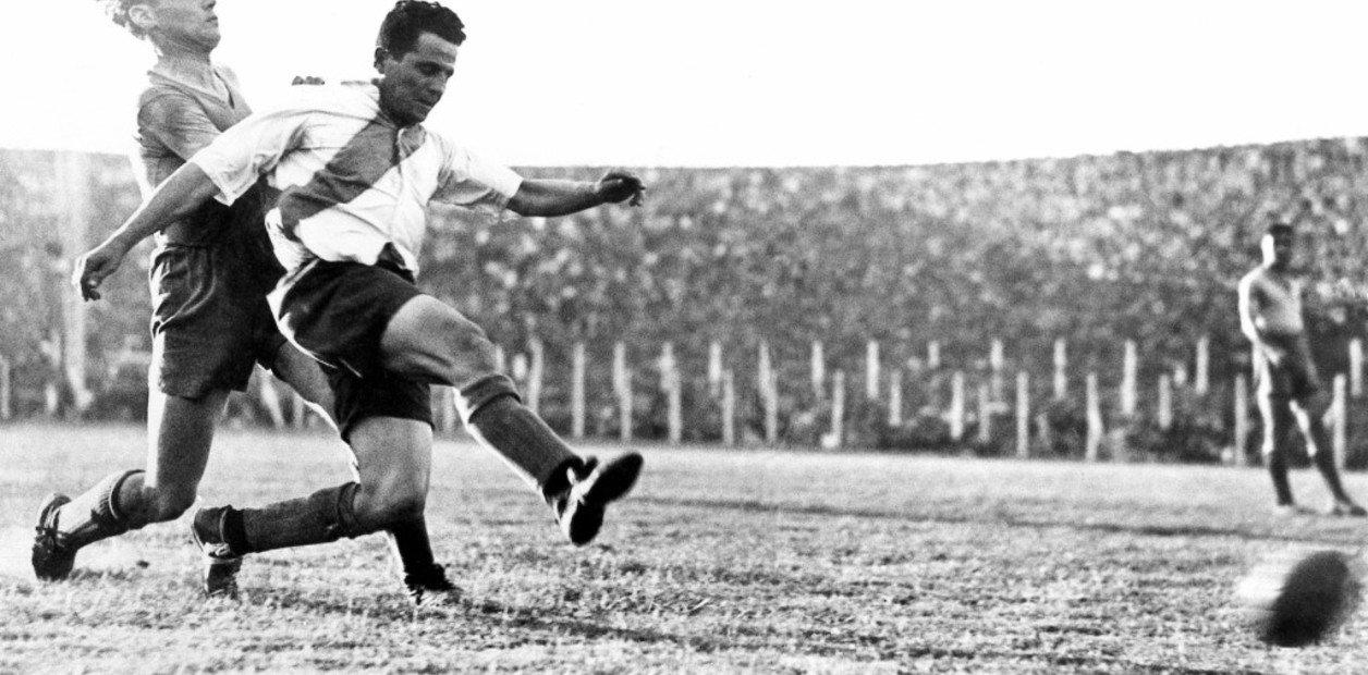 Cumple años Sarmiento de Pueblo Italiano, equipo donde jugó Bernabé Ferreyra.