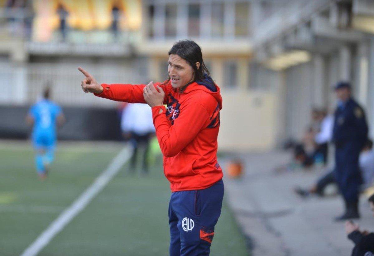 Olave le apunta de lleno a su rol de DT. Ya suma experiencia en Las Palmas.