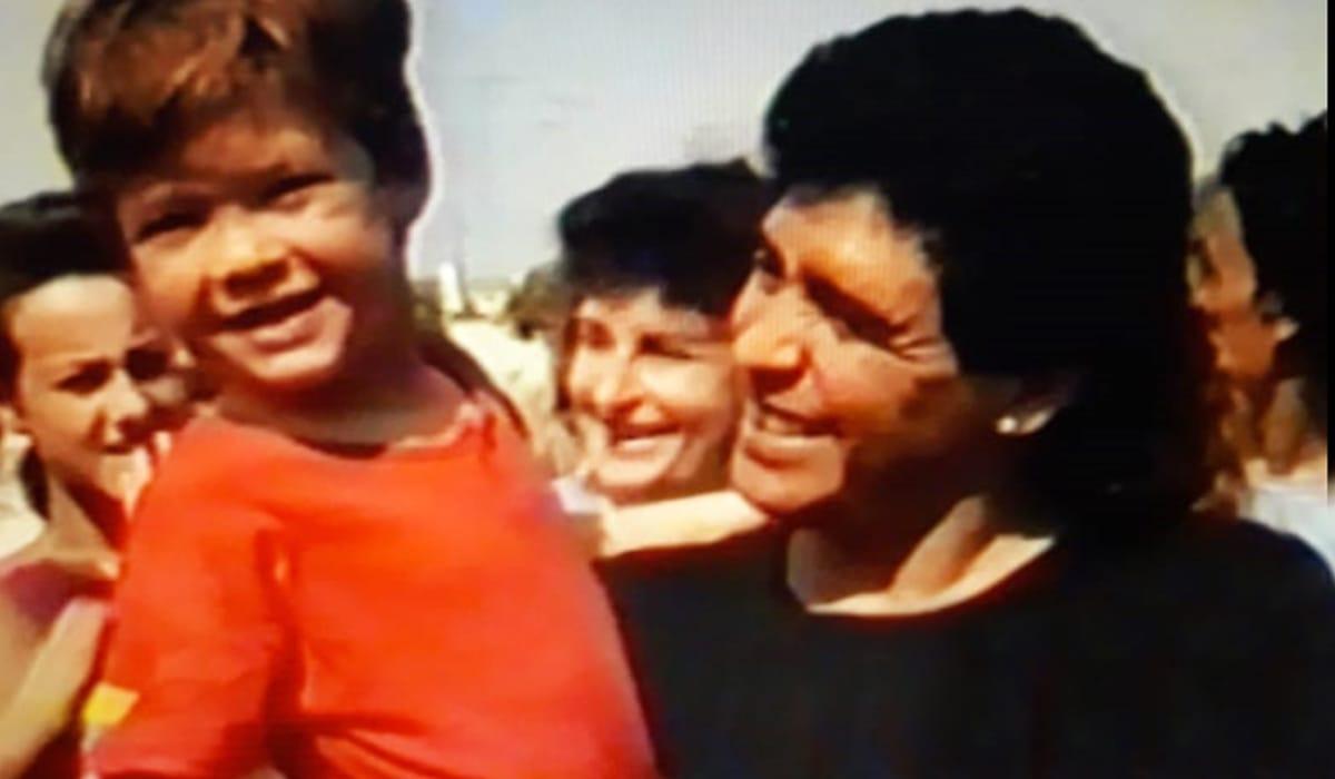 Hace 29 años Maradona sorprendía con su visita a todo Alejandro Roca.