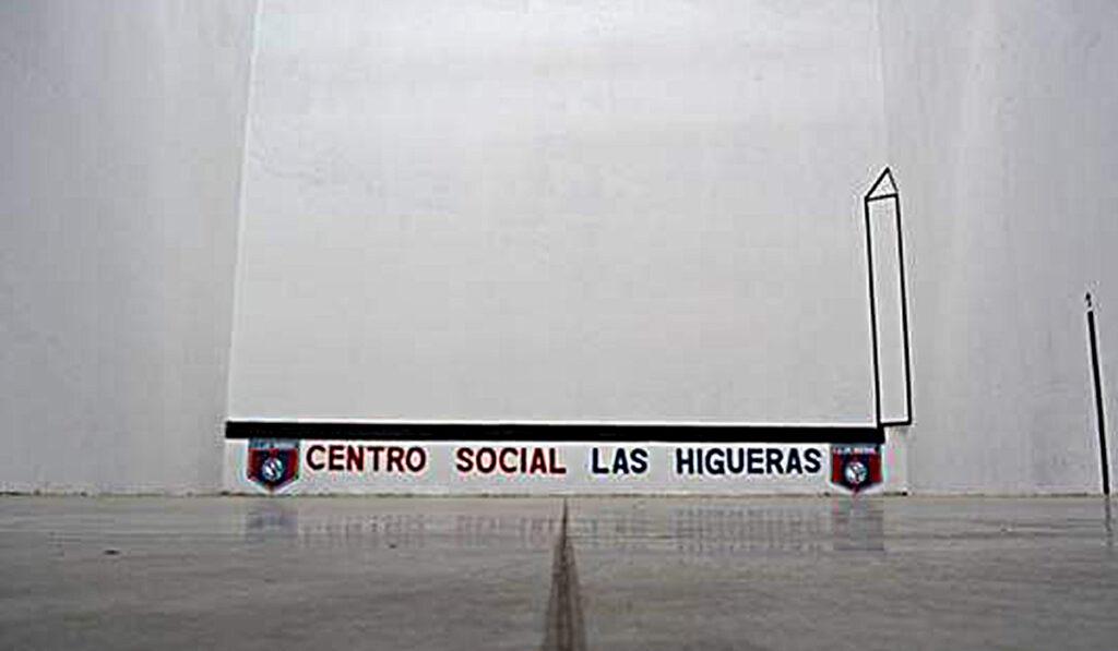 La renovación de la cancha de pelota se llevó a cabo durante el parate en el club higuerense.