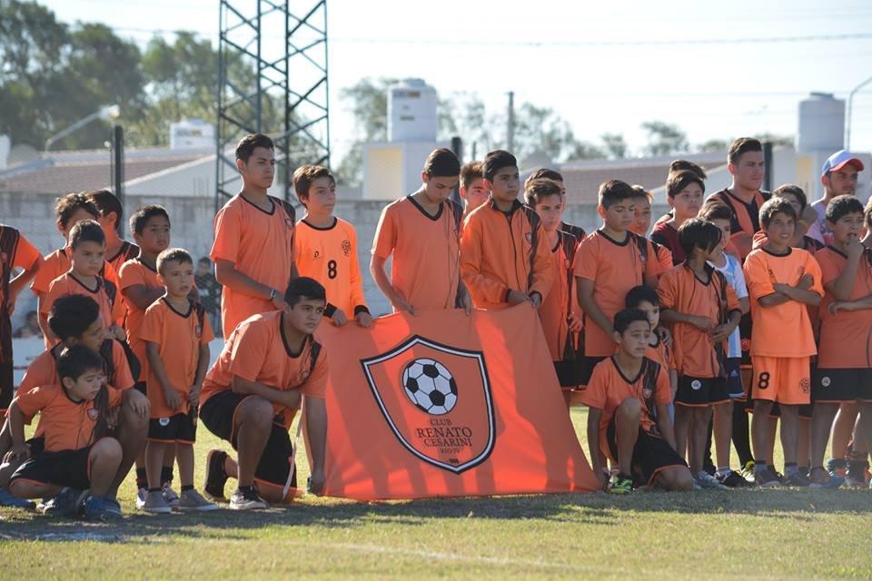 Los clubes de fútbol también reabren sus puertas con entrenamientos físicos individuales y recreativos.