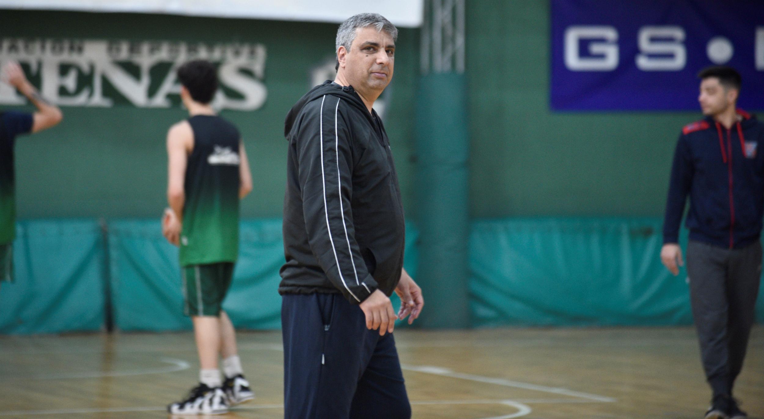 El entrenador de Atenas de Córdoba falleció este lunes por complicaciones en su cuadro de coronavirus.