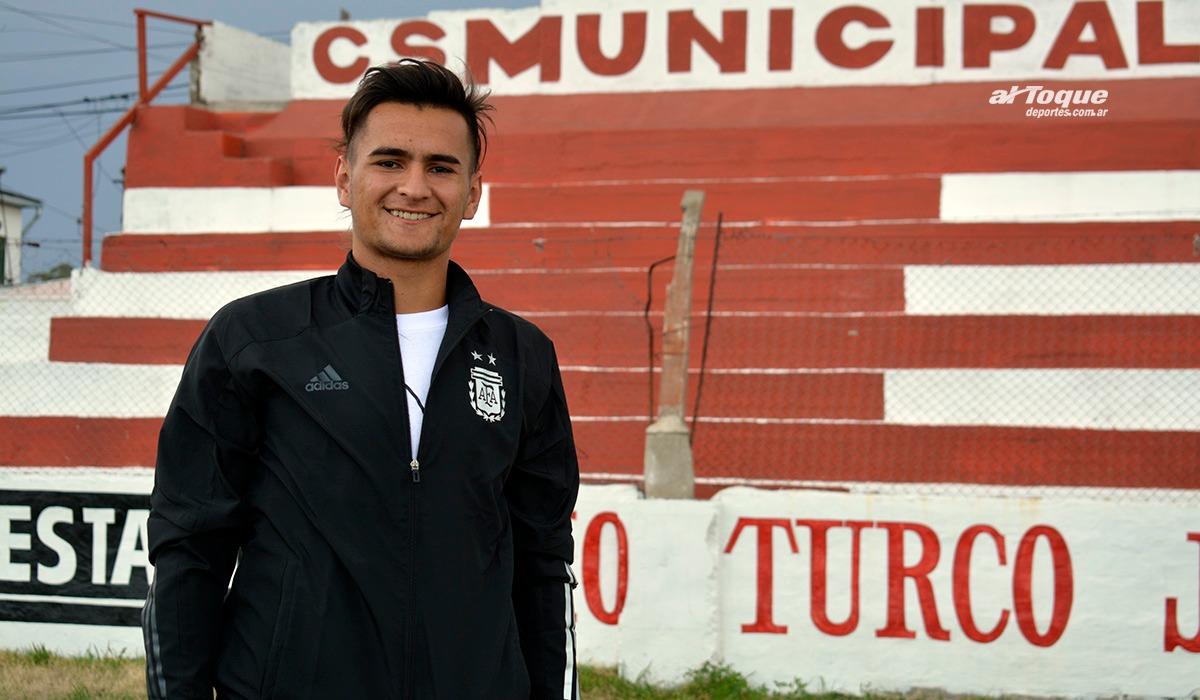 Nicolás Brito, hijo de Diego, quiere llegar a ser profesional. Juega en Belgrano.
