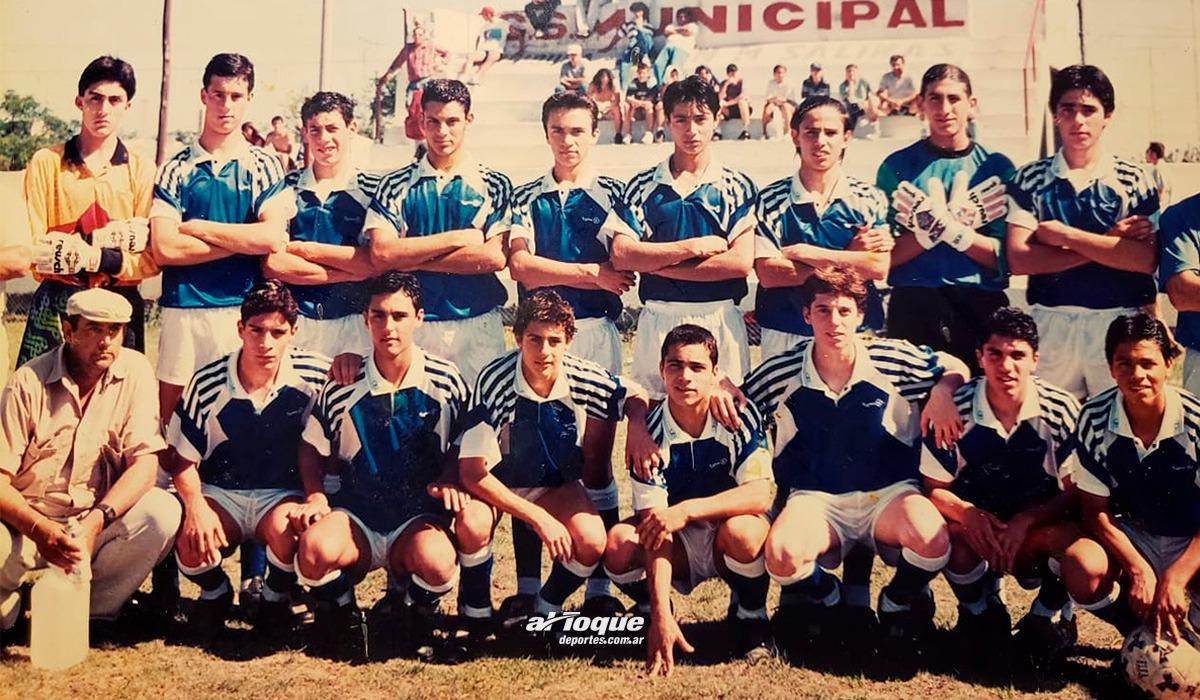 Pablo Aimar con el seleccionado de Liga Regional de Río Cuarto en cancha de Municipal.