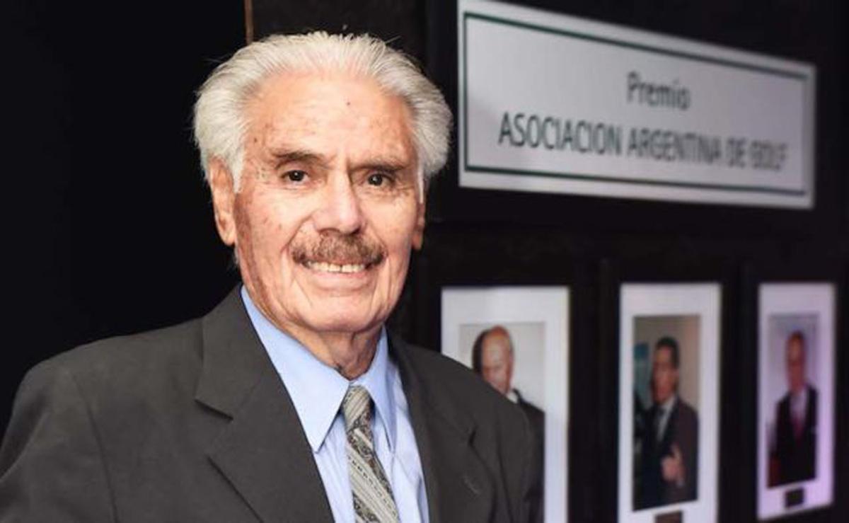 La Asociación Argentina de Golf lo reconoció por su trayectoria en 2017.