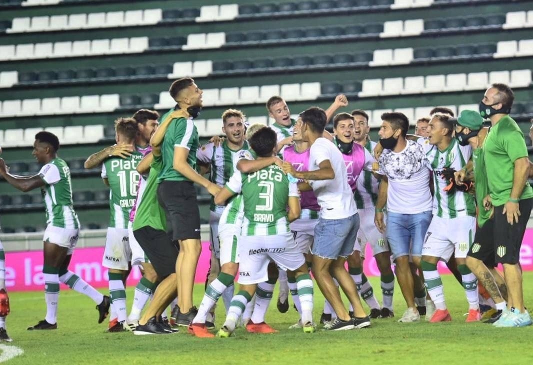 Colo Cabrera es finalista con Banfield en Liga Profesional.