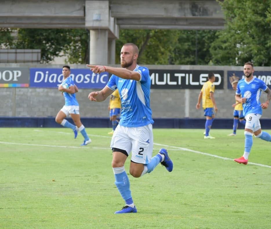 Ferreyra puso el 1-1 para Estudiantes en Villa Crespo.