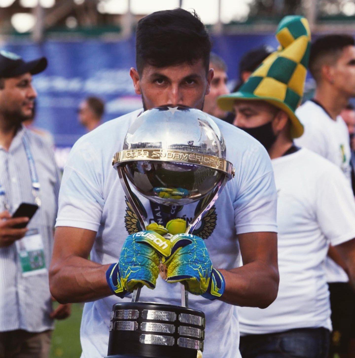 El riocuartense Ledesma campeón de Copa Sudamericana con Defensa y Justicia.