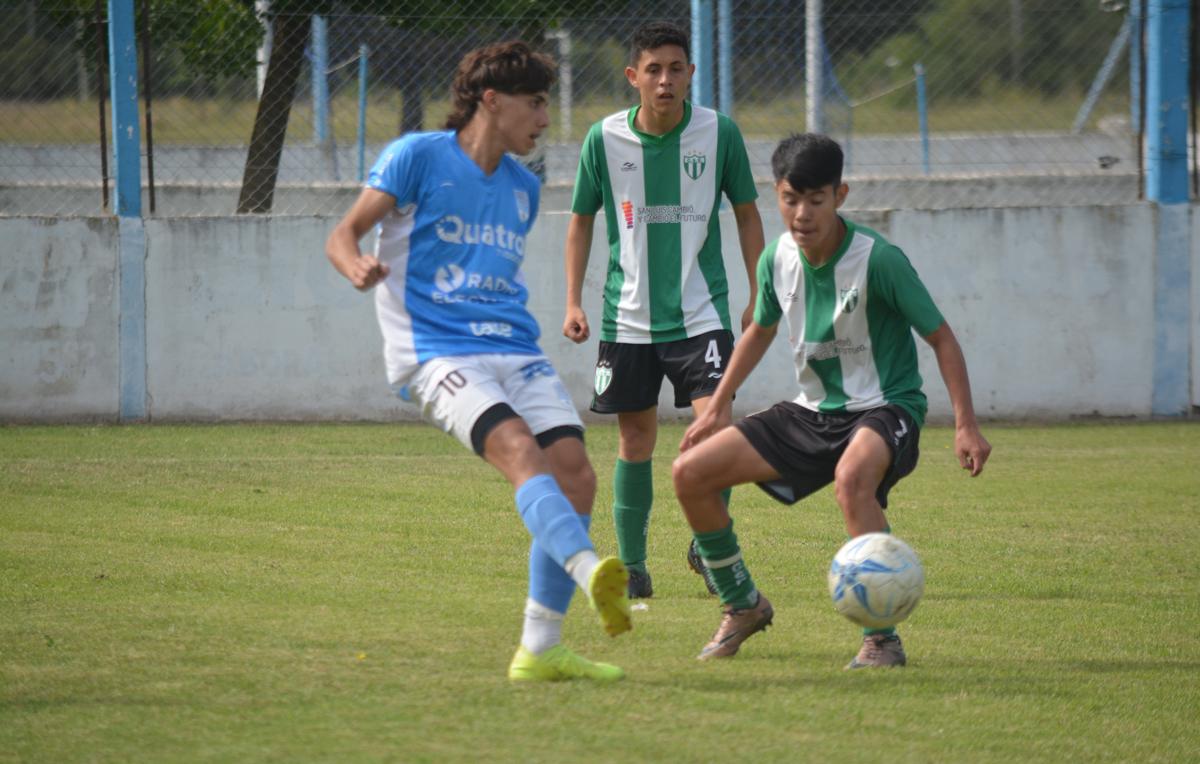 La Cuarta y Quinta División de Estudiantes de Río Cuarto tendrán este sábado por la mañana su primer encuentro de local.
