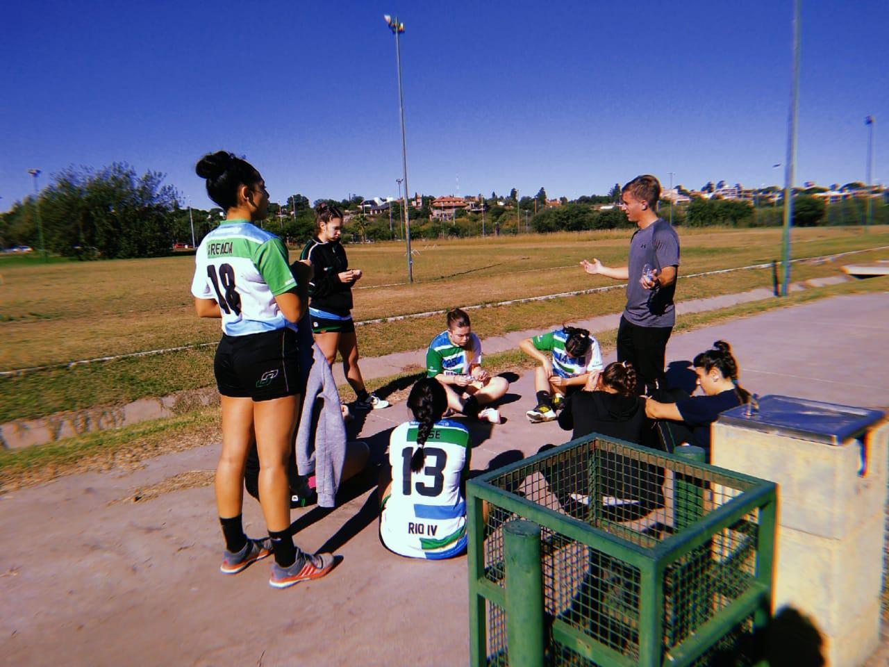 El equipo femenino de la UNRC de handball ya se prepara para el 2021.
