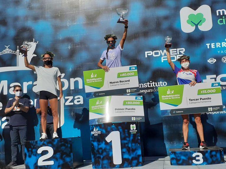 Rosa Godoy fue segunda en los 21K de Mendoza.