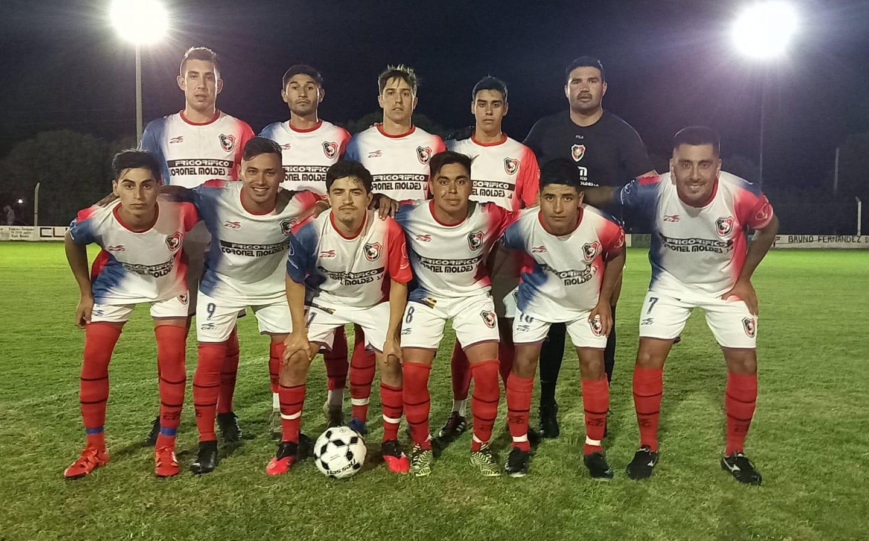 Toro Club venció 3-0 a San Lorenzo de Bulnes en un amistoso.