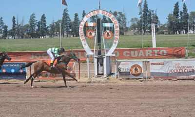 Se disputó el Clásico Apertura en el Jockey Club.