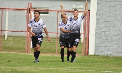 Fiel a su estilo. Prado cumplió con gol en el retorno de Lutgardis Riveros a las competencias ligueras.