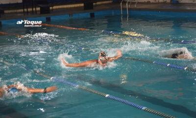 La nadadora sampachense entrenando en el Centro Deportivo Nado de Río Cuarto.