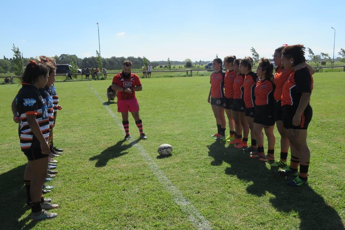 Los equipos femeninos del Aero y el Jockey jugaron un amistoso.