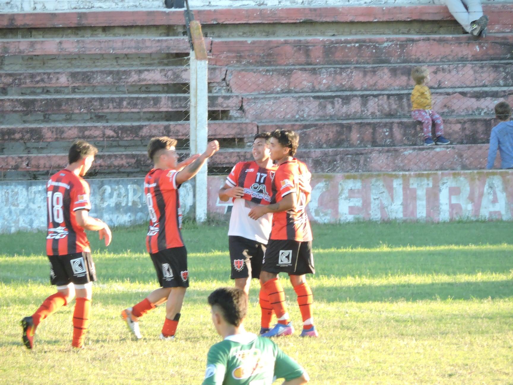 Central Argentino de La Carlota es uno de los líderes en la Liga de Canals.