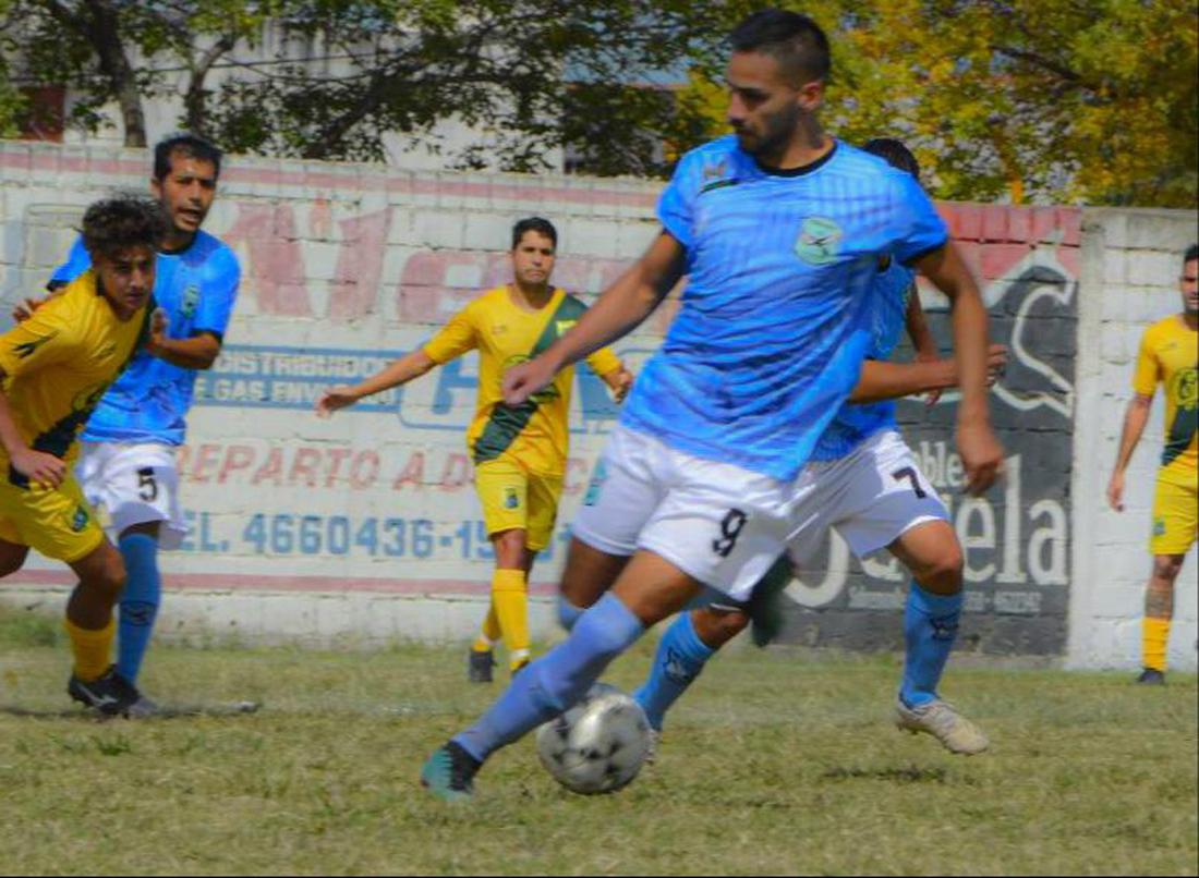 Enzo Barroso lleva 4 goles convertidos en 6 partidos jugados en Cóndores.