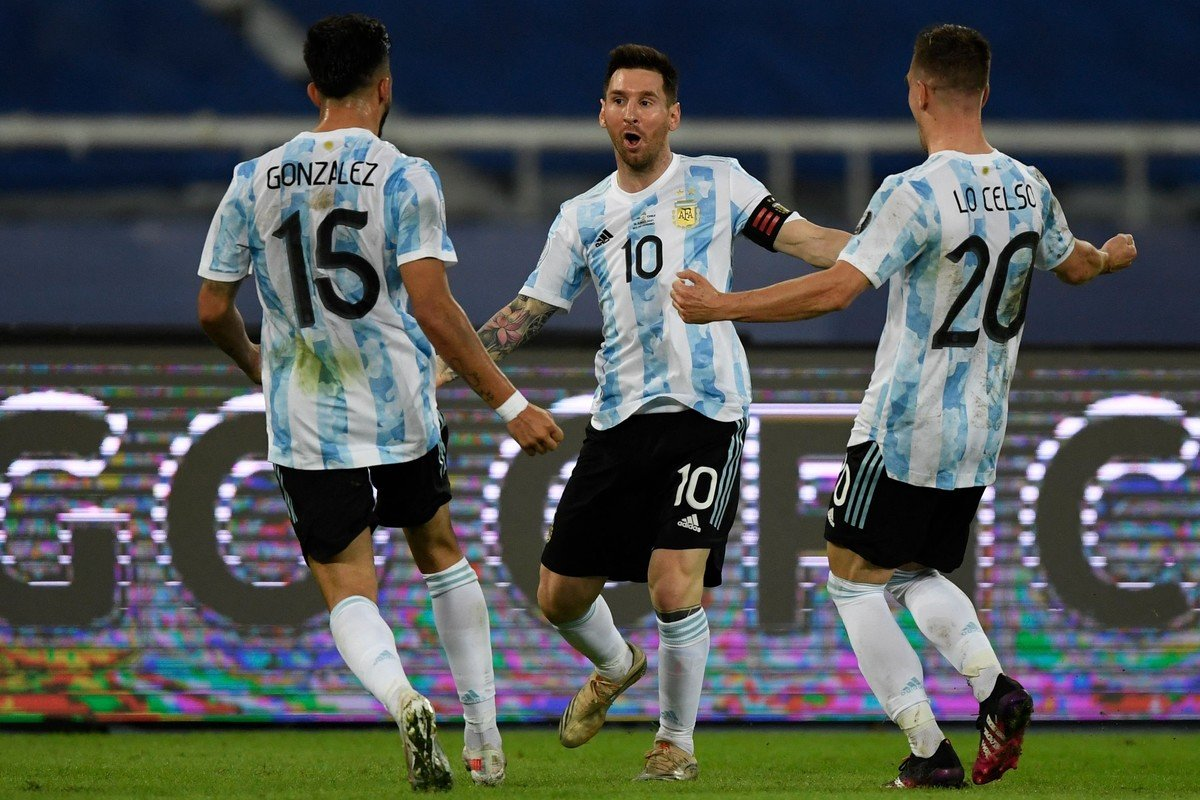 Argentina empató con Chile en el debut de Copa América.