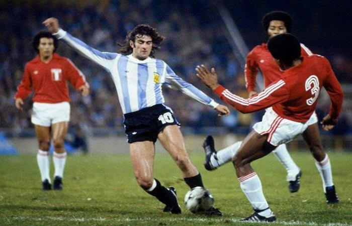 Hace 43 años, Argentina derrotaba a Perú en el Mundial 78. Un partido envuelto en polémica.