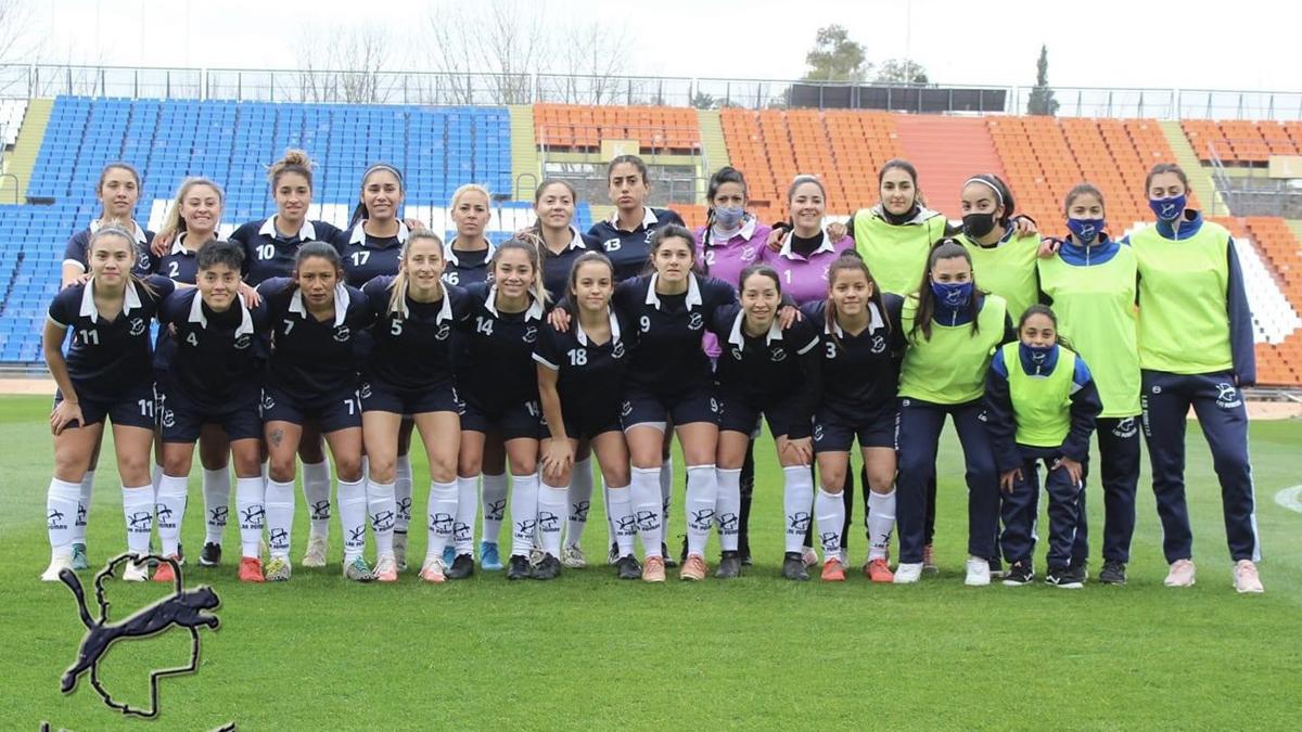 Las Pumas se impusieron 4 a 0 frente a Gimnasia y Esgrima, con goles de Aldana Barrionuevo, Gimena Blanco en dos oportunidades, y María Victoria Pintos.