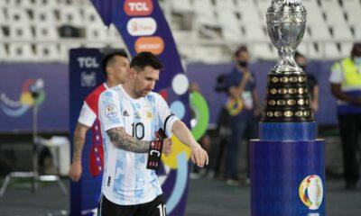 Argentina y Uruguay se enfrentan por la Copa América en una nueva edición del clásico del Río de la Plata.