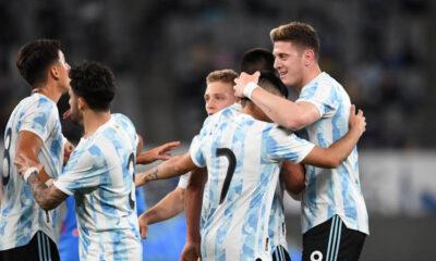 Adolfo Gaich y Santiago Colombatto fueron titulares en el último partido de preparación previo al debut en los JJOO, el próximo 22 de julio.