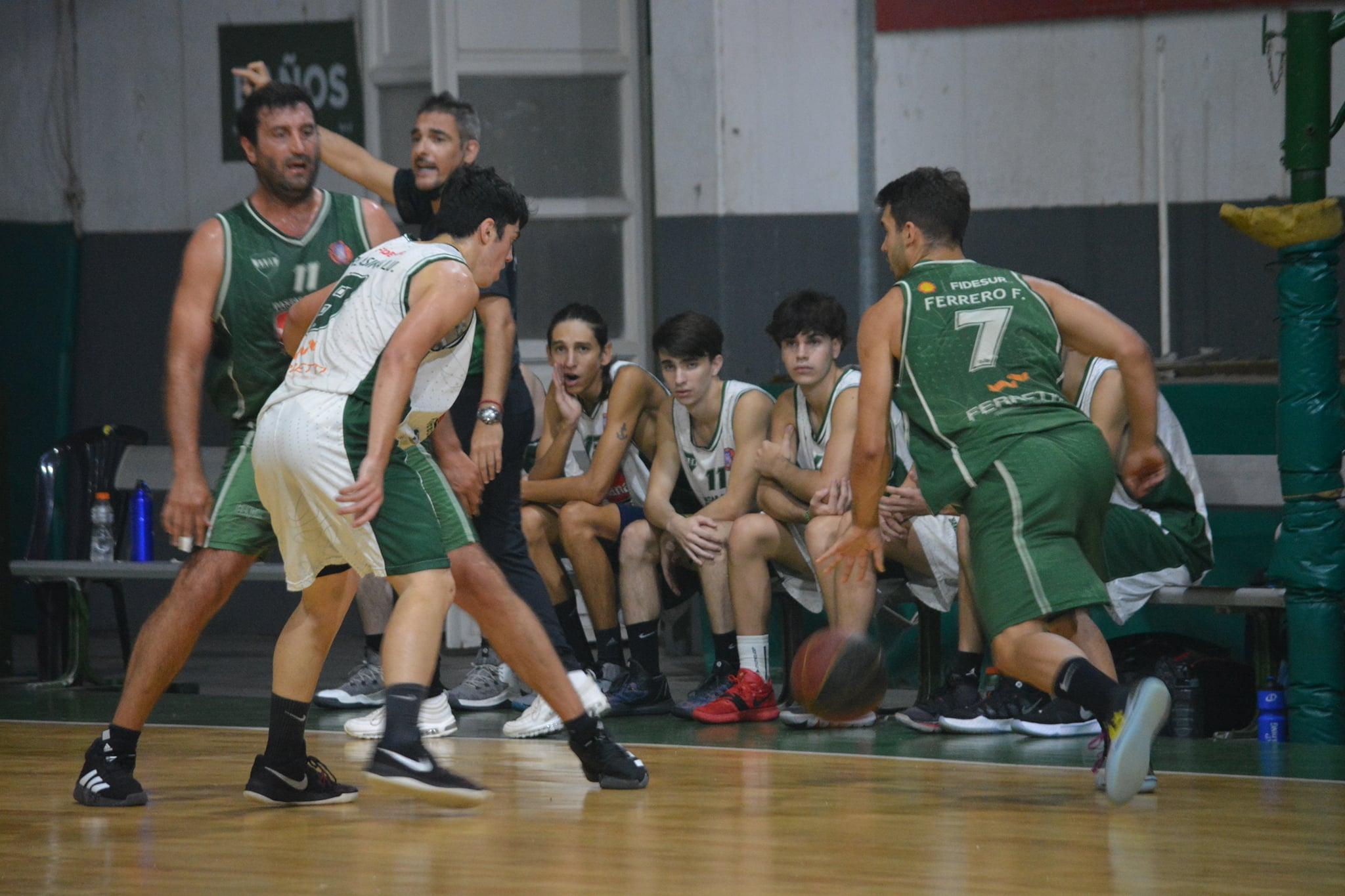 El duelo entre Banda Norte blanco y verde en primera fecha del Apertura.