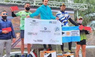 Brian Burgos festeja en lo más alto del podio en Las Tapias.