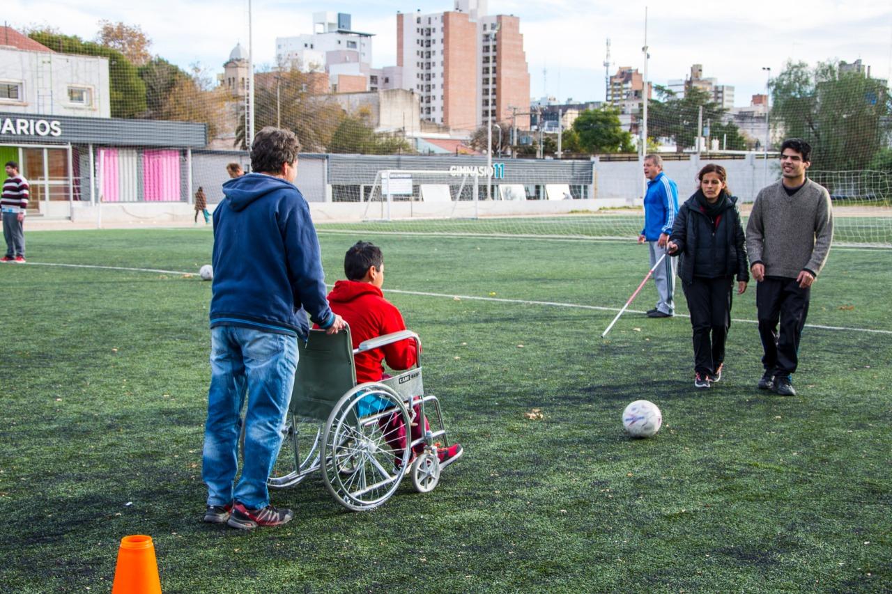 La Secretaría de Deporte y Turismo del Gobierno de Río Cuarto relanza las escuelas gratuitas de deporte adaptado.