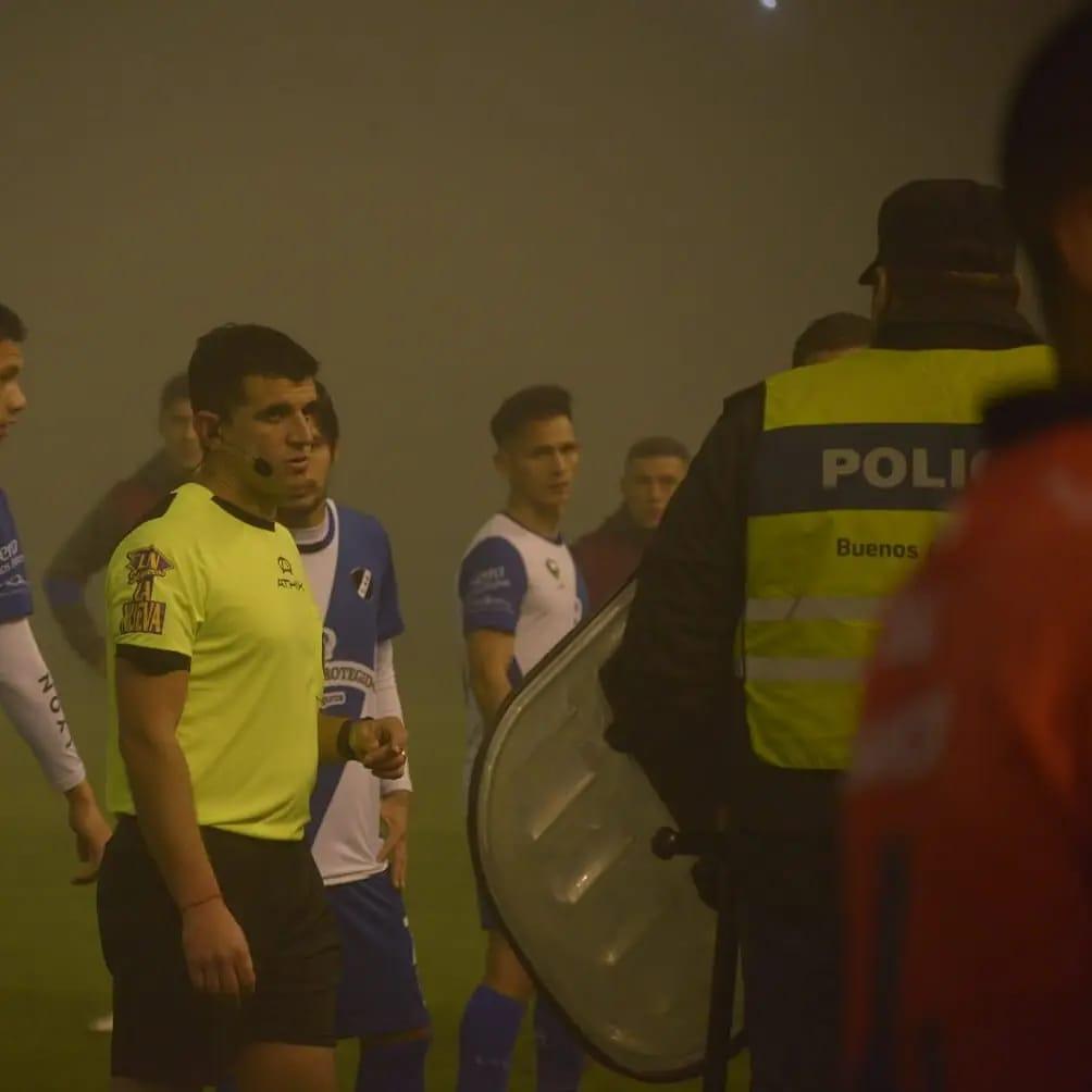 El partido entre Alvarado y Estudiantes fue suspendido a los 4 minutos del complemento por falta de visibilidad en el estadio.
