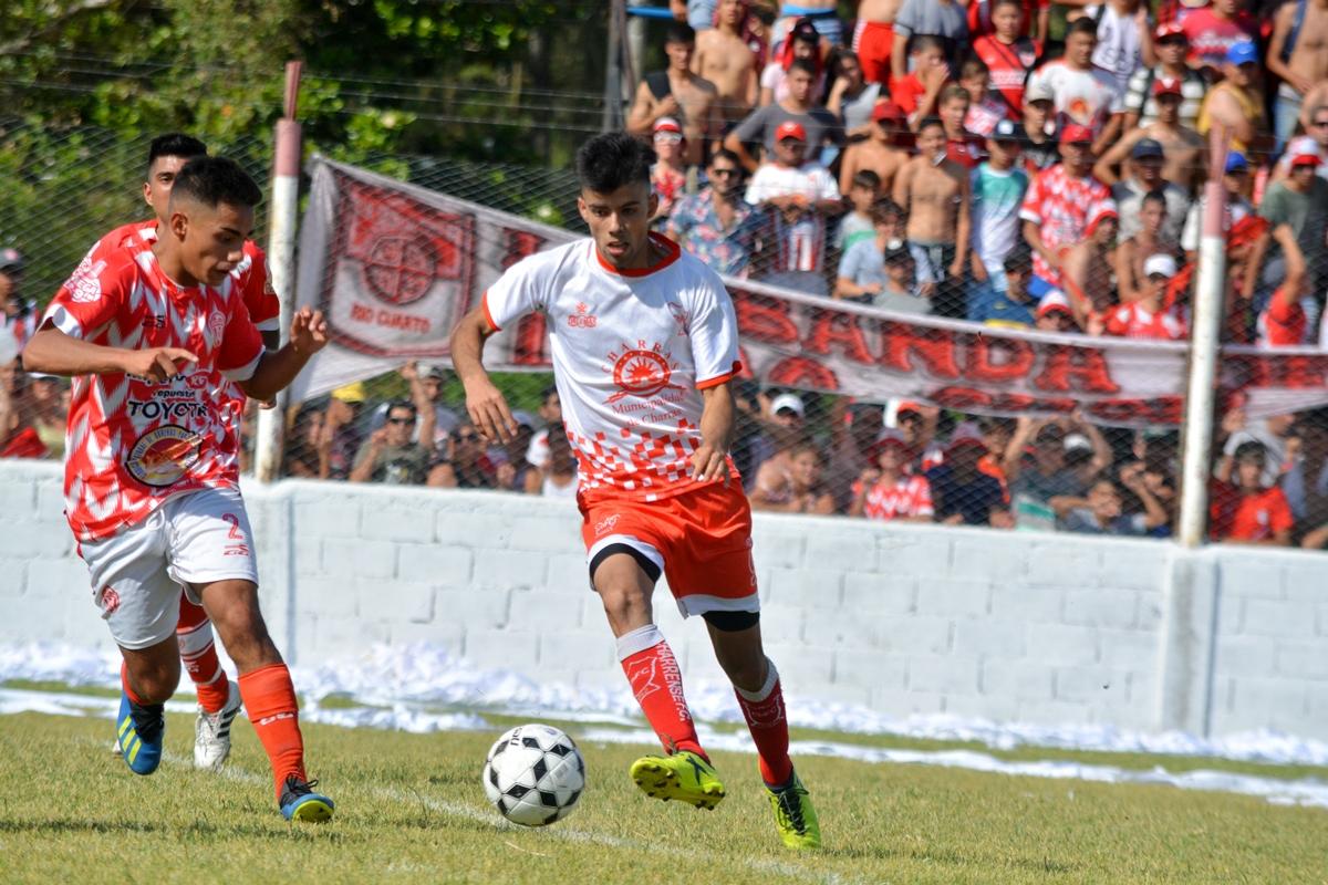 Muñoz brindó detalles sobre la preparación de Charrense F.C.