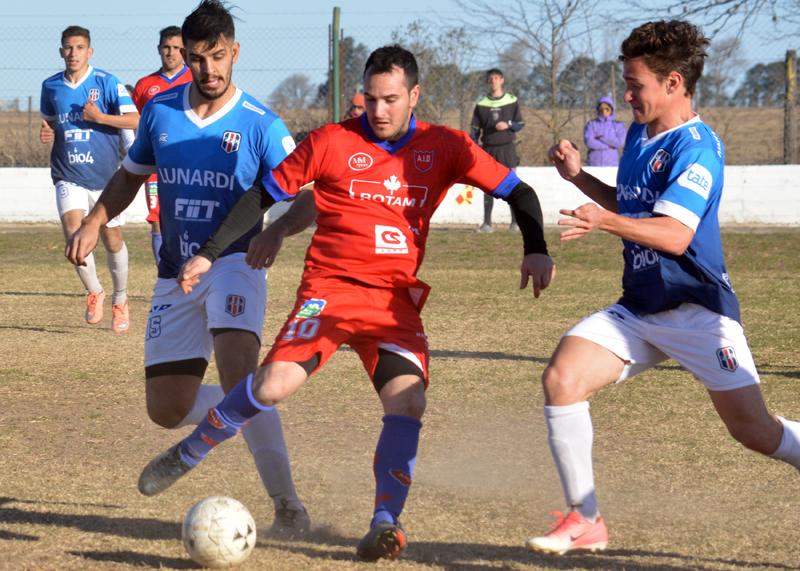 El volante de Independiente Dolores ya palpita lo que va a ser el duelo con Santa Paula de Carnerillo en la vuelta a la competencia de Primera B.
