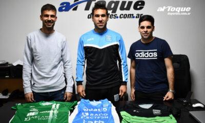 Los capitanes de los tres equipos que jugarán la fase previa al regional de futsal.